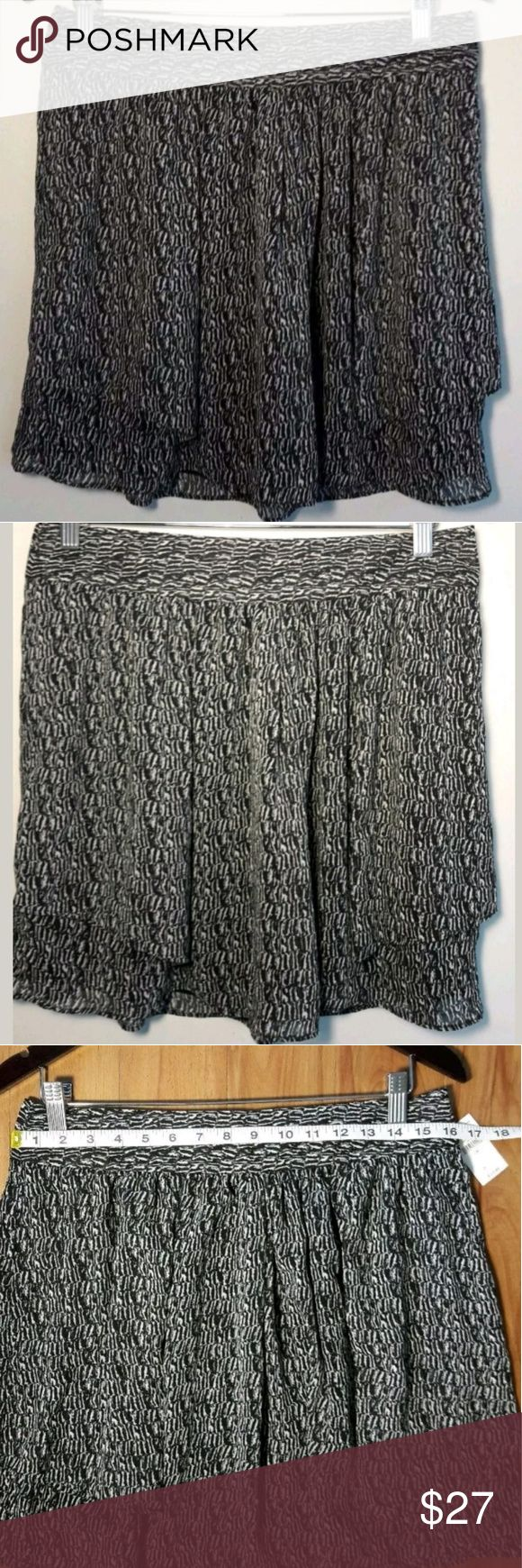 GAP Black/White Boho Chic Flouncy Skirt Size 6 NWT GAP  Black White Textured Flouncy Lined Mini Skirt Boho. Women's Size 6. Super cute, Stylish & Sexy. Perfect for any occasion.   Thank you for Looking & Sharing Happy Poshing😄 GAP Skirts