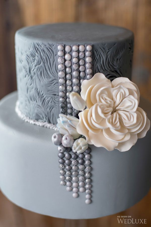 WedLuxe– Illustrations of Love | Photography by: Krista Fox Photography Follow @WedLuxe for more wedding inspiration! #grey cake