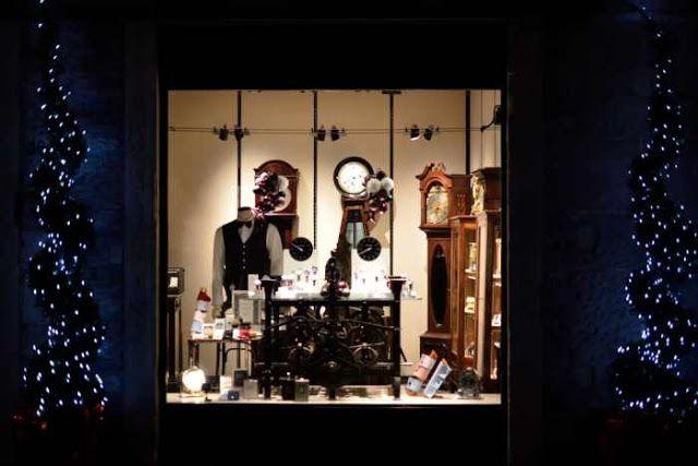 Marina Magro: Il Tempo e gli Orologi (ingranaggi per contenere la molla motrice)