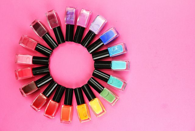 Every girl loves to have her nails painted; but with so many new summery shades to choose from, which one do you pick? With today's deal you don't have to choose just one...