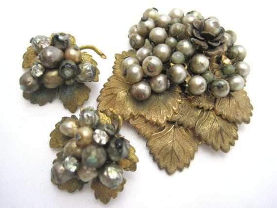 Antique Leaf and Pearl Jewelry Set  Earrings and by VintageInBloom, $28.00