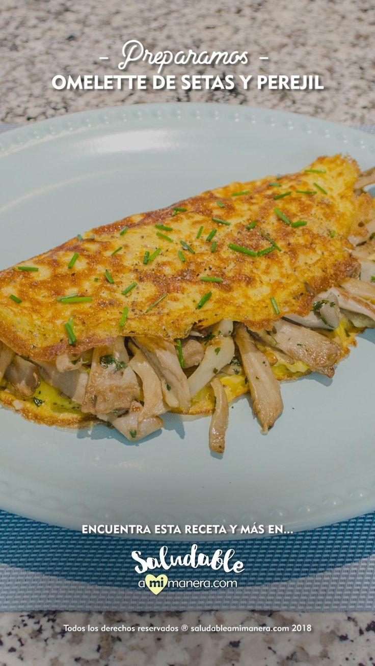 Rompe el aburrimiento en tu desayuno y prueba con este #omelette de #setas y #perejil muy sencillo de preparar, aquí te decimos paso a paso. Deli, Snacks, Chicken, Breakfast, Healthy, Recipes, Food, Quesadillas, Arrows