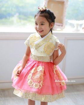 Fusion Hanbok Hanbok & Custom W170,000 http://dodamdodam.com/goods_detail.php?goodsIdx=3679