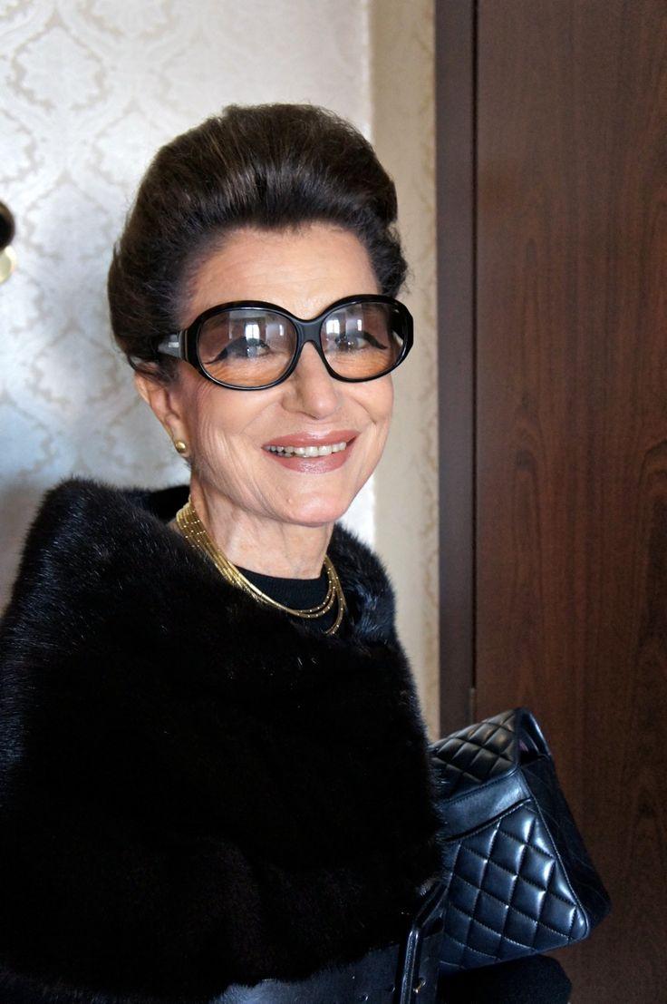 Costanza-look do primo giorno-Semana de moda de Milão