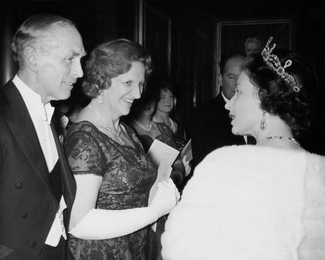 Queen Elizabeth II meets former Prime Minister Sir Alec Douglas-Home and Lady Home on November 11, 1964 (Getty Images)