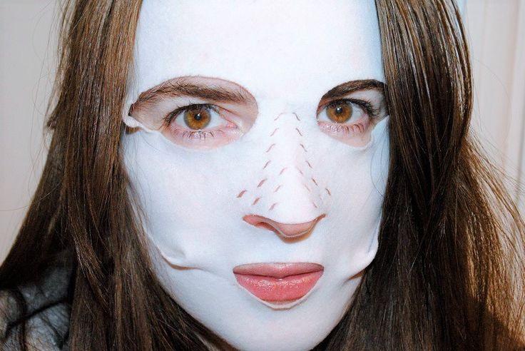 Charlotte Tilbury Instant Magic Facial Dry Sheet Mask Review