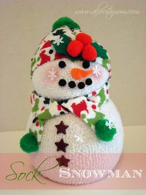 COOL IDEAS: DIY SNOWMAN MADE FROM SOCKS