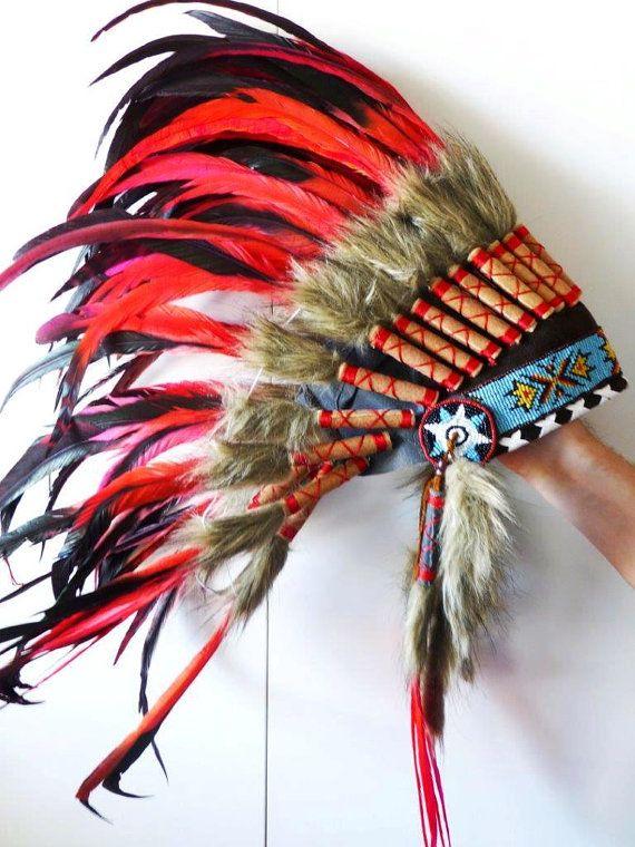 Costume d'Indien coiffe de plumes rouge par THEWORLDOFFEATHERS