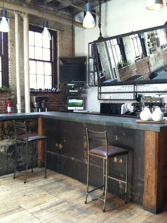 Now, if my other best friend had a kitchen, it'd definitely be this industrial bar-themed wonder.