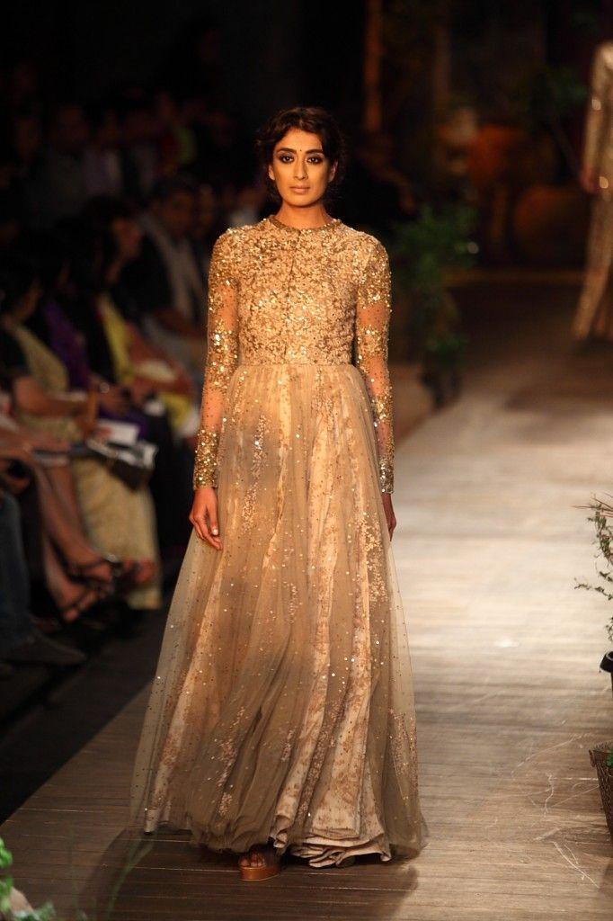Sparkly Gold Sabyasachi #Anarkali. Image: Dwaipayan Mazumdar/Vogue.
