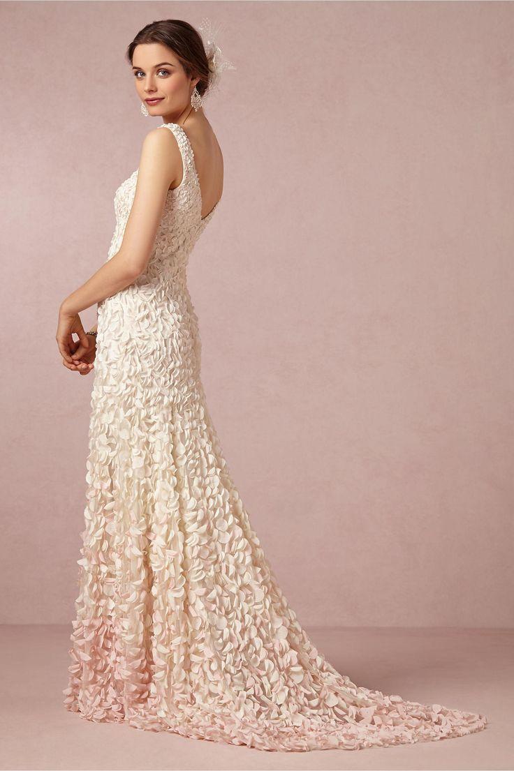 85 best Dresses images on Pinterest | Wedding frocks, Wedding ...