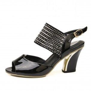 http://www.petitepeds.com.au/sandals/144-zuba.html