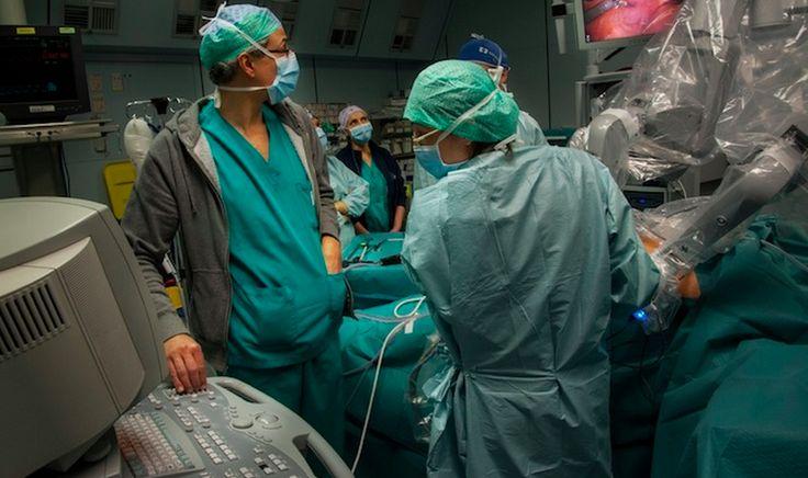 Un tumore endocrino al pancreas è stato distrutto in una donna anziana con sole tre sedute da 10 minuti ciascuna all'irccs policlinico san matteo di pavia. La nuova tecnica è molto meno invasiva, d…