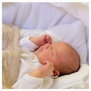 Farmhouse Friends - Barnmöbler | Inredning till barnrummet | Personliga doppresenter: Lille prins Alexander klädd i de mjukaste babykläd...