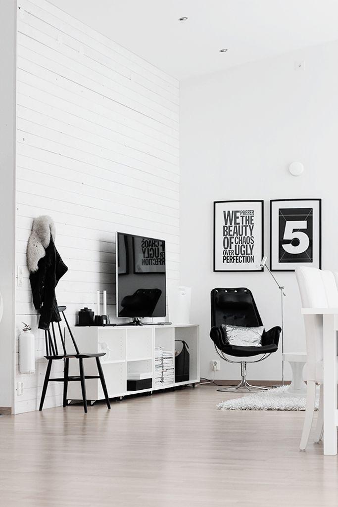 Black & White Interior - bold prints. Fresh and lovely!