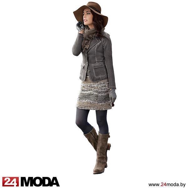 Спокойные серо-коричневые тона выглядят благородно, а короткая юбка из буклированной ткани: http... pinned with Pinvolve