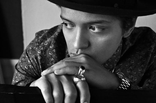 Bruno Mars Recruits Dream Team of Producers for 'Unorthodox Jukebox'  Read more: http://www.rollingstone.com/music/news/bruno-mars-recruits-dream-team-of-producers-for-unorthodox-jukebox-20121113#ixzz2tvBwNtsK