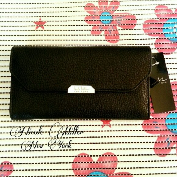 Nicole Miller New York Black Wallet Brand-New Item: Cute Wallet Color :Black  Check out my closet  Nicole Miller Bags Wallets