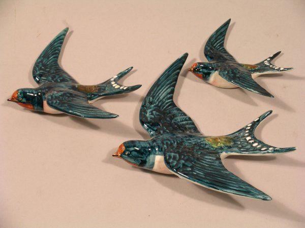 75D: A graduated set of three Beswick Swallow wall plaq : Lot 75D