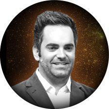 Джонатан Кронштедт Генеральный директор Empower Network, Джонатан работал в предыдущих руководящих должностях руководящих для ипотеки, финансов, цифровой издательской и компаний прямых продаж. Он имеет желание добавить значение к знаниям других и сам осведомлены в поколение спроса, продаж и маркетинга методологии, связи, публичных выступлений, стратегии и исполнительной руководством. В свободное время он любит проводить время со своей женой, Николь, и наслаждаясь бокалом вина Джастин…