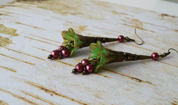 Vintage Bell Flower Earrings  Lucite Flower by EllaHandmadeUnuque