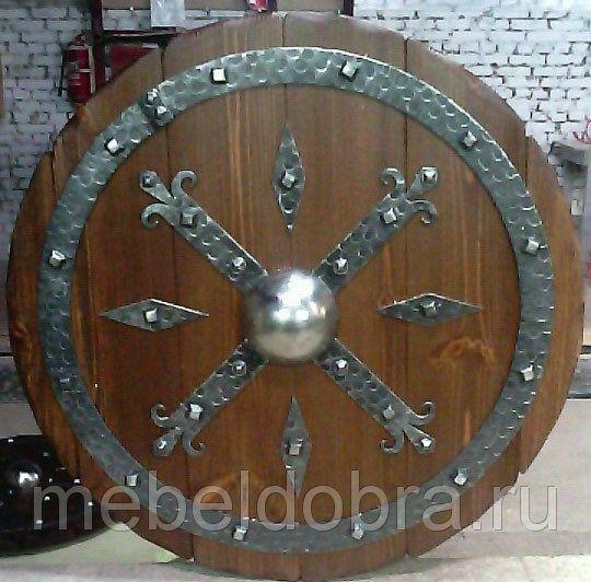 Щит декоративный d 700 из массива сосны с ковкой, фото 1