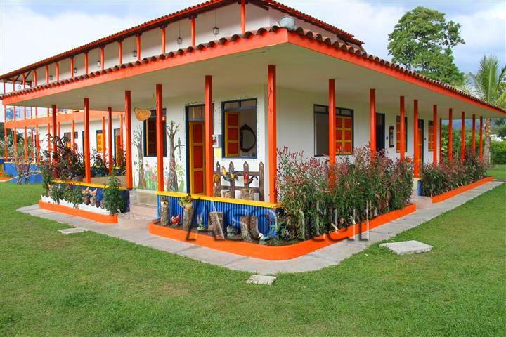 Hoteles, Fincas Turísticas Camping, Planes Turísticos, Casas Campestres, Alojamientos Campestres, http://www.hotelesdelejecafetero.com