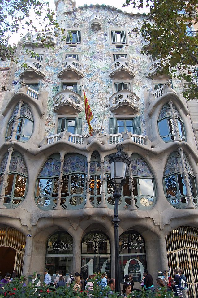 Casa Batlló - Wikipedia, the free encyclopedia | Antoni ...