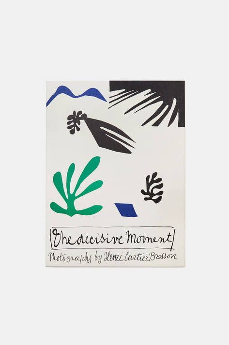 This new publication—the first and only reprint since the original 1952 edition—is a meticulous facsimile of the original book that launched the artist to international fame, with an additional booklet on the history of The Decisive Moment by Centre Pompidou curator Clément Chéroux.