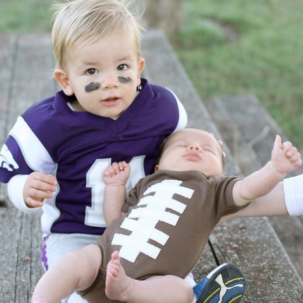 This adorable #football baby #halloween costume is so easy to make.