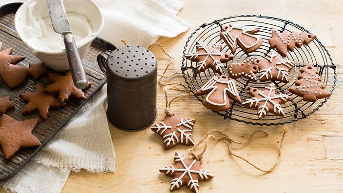 German honeybread (lebkuchen) are traditionally eaten at Christmas. But we think these spiced biscuits are so good they should be chomped on all year round. Listen to the audio recipe.
