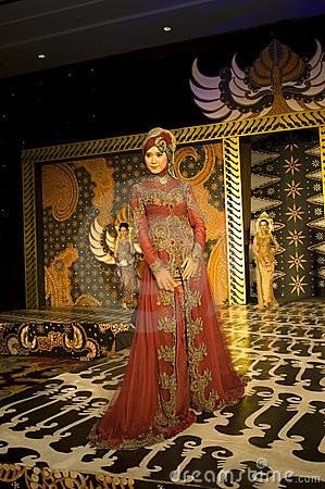 INDONESIAN CULTURE FASHION SHOW fashion-eastern-oriental-style