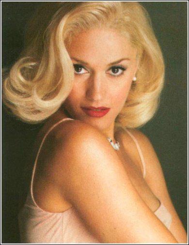Gwen StefaniGwenstefani, Gwen Stefani Hairstyles, Platinum Blondes, Beautiful Women, Red Lips, Glamorous Hair, Hair Style, Bags, Beautiful Hair Colors