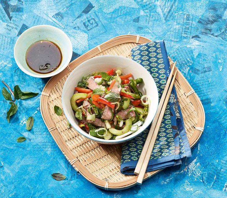 Auch Salate finden sich in der thailändischen Küche. Aber diese müssen schön pikant und reichhaltig gewürzt sein.
