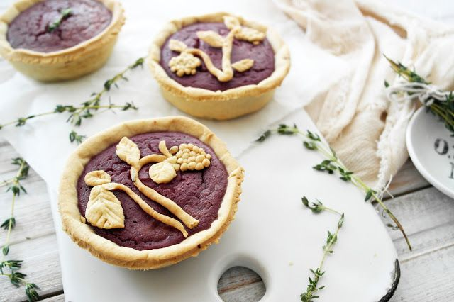... Twigg studios: blackberry and apple tarts with thyme shortcrust pastry