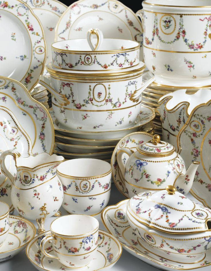 1781 Part of the Sèvres porcelain service that belonged to the Marquis Spinola di Luccoli (1743-1802)