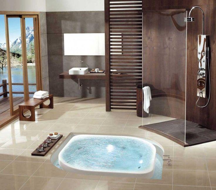 cabine de douche en verre transparent, lambris bois et carrelage sol beige