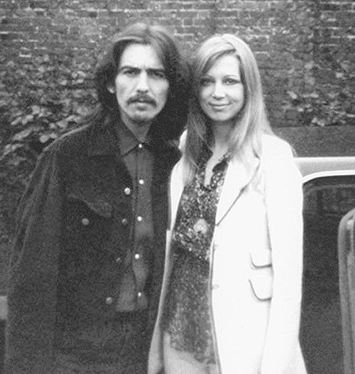 paulmccassney:  George Harrison with Pattie Boyd (126/365 photos of George Harrison)