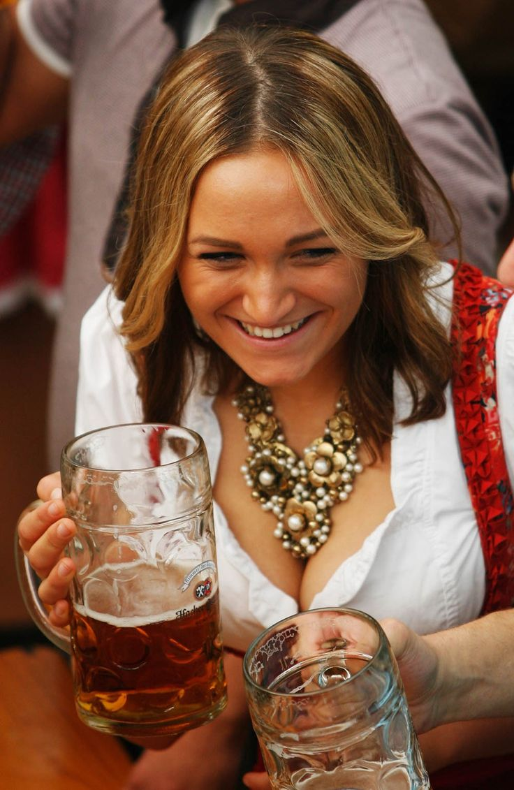 Oktoberfest Wench Outfit 672 Best Beer Girls Octoberfest Images On Pinterest Beer