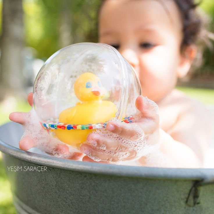 #bubblebath themed #oneyearold #photosession with #yellowduck toy by #yesimsaracerphotography #babyphotographer #naturallightphotography in #göktürk #istanbul