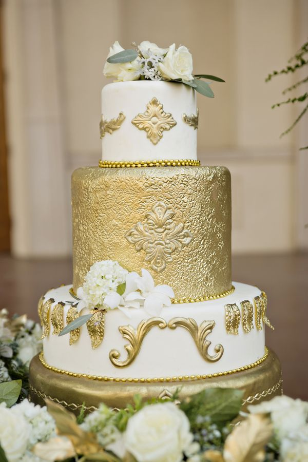 white peach and gold wedding cake 397 best images about black white and gold wedding colors 27306