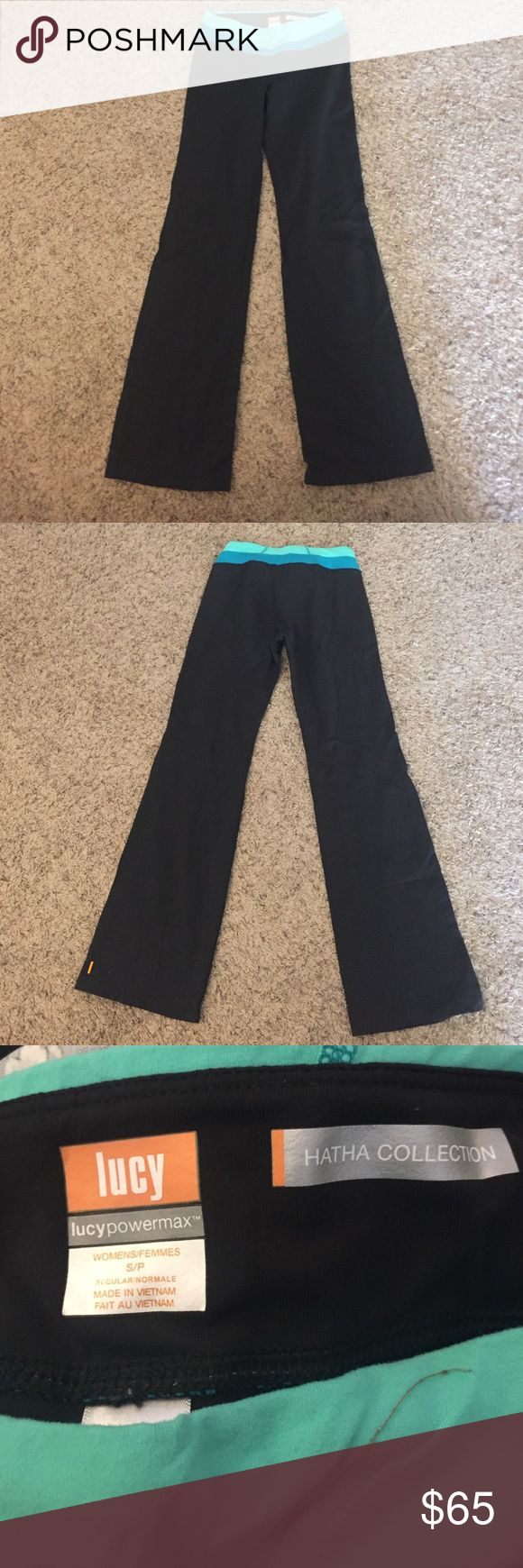 Lucy athletic wear Lucy athletic wear. Hathaway collection in perfect condition. Cute blue waistband accent. Make me an offer! 😊 Lucy Pants Boot Cut & Flare