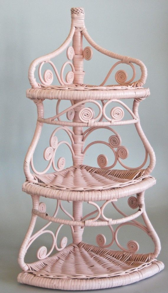 Wicker Corner Shelf Pink