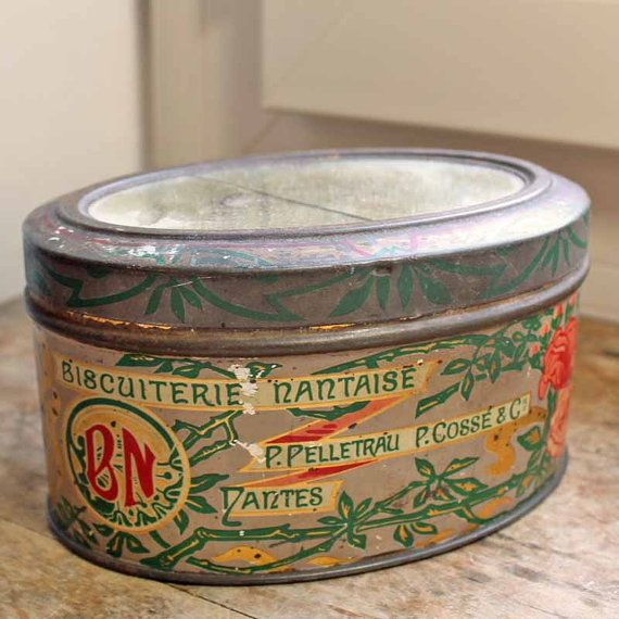 Antique French tin box for biscuits maker by PetitMignonGrandBeau