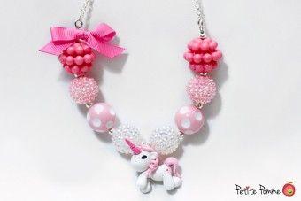 Collar Pony Rosado para niñas