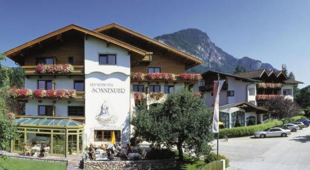 Sporthotel Sonnenuhr - 4 Sterne #Hotel - EUR 58 - #Hotels #Österreich #Kramsach http://www.justigo.de/hotels/austria/kramsach/sporthotel-sonnenuhr_42701.html