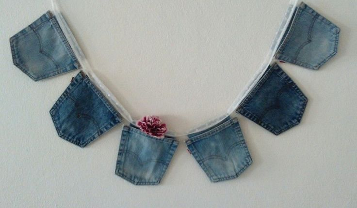 When your friend gives you old Levi Strauss jeans, you have to put them to good use. I was inspired to make more Upcycled Levi Strauss Jeans Projects!