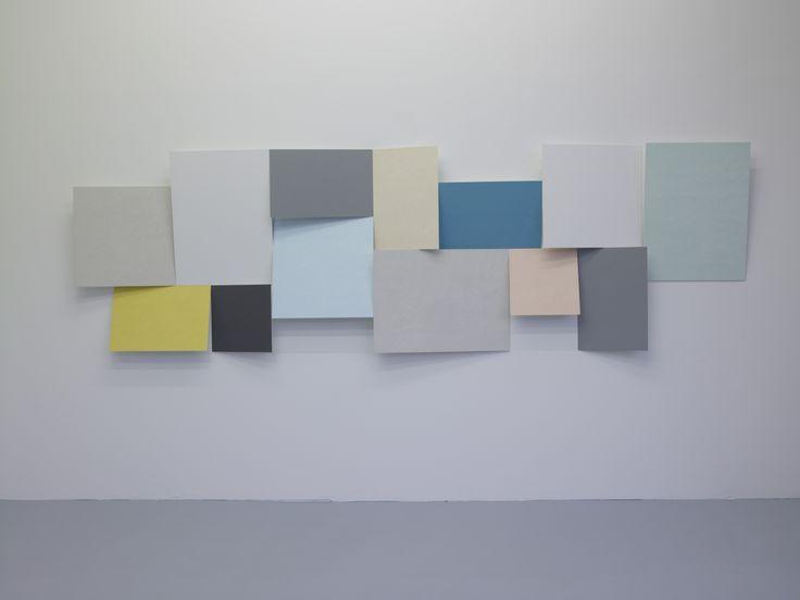 Toby Paterson, Cluster Relief (S-N), 2011, 13 panneaux, aluminium, 10 x 400 x 120 cm Production Le Grand Café, Courtesy The Modern Institute, Glasgow, © Marc Domage