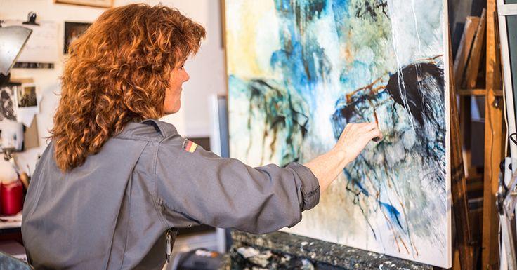 I kunstskolens 5 ugers online semester deler Malene Hammershøj gavmildt ud af alle sine tanker, fif og erfaringer fra et liv med oliemaleriet i centrum.