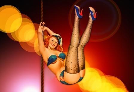 Pole Dance und Burlesque Kurse machen jede Menge Spaß am Junggesellinnenabschied und ermöglichen Einblicke in ästhetischen, sexy Tanzformen.